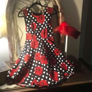 Liza Luxe. Dress Size Large  Floral  Pattern